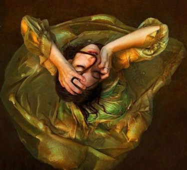spinning-painted-woman-aiireal-view
