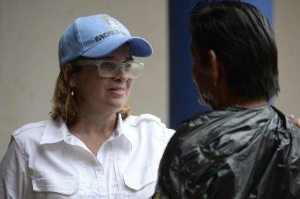 mayor cruz w PR citizen - exemplary caring and strebgth